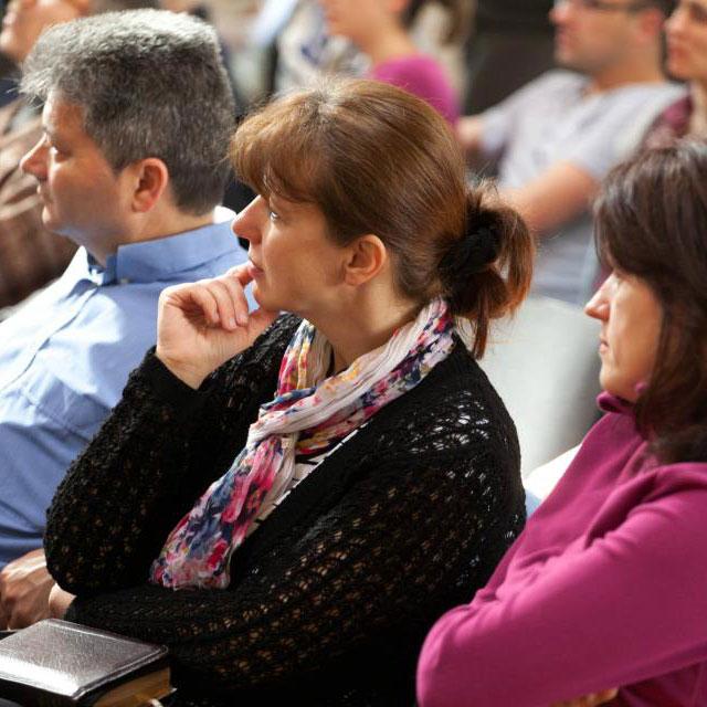 Conferințe pentru familii